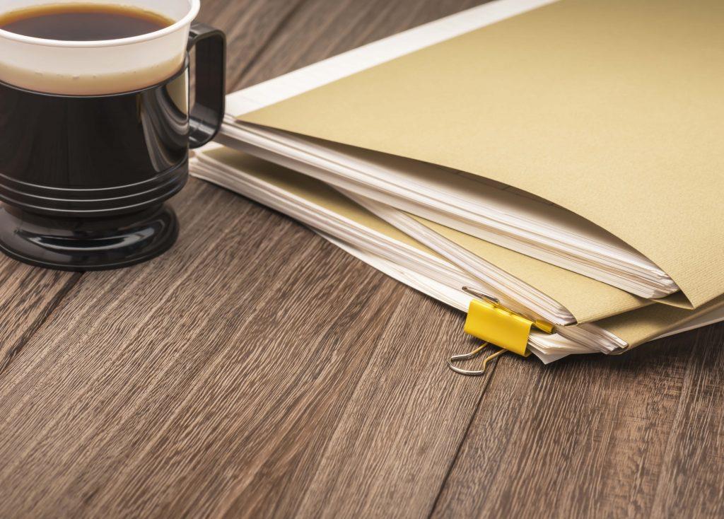 Mitä vakuutuksia toiminimellä yrittäjän täytyy ottaa?