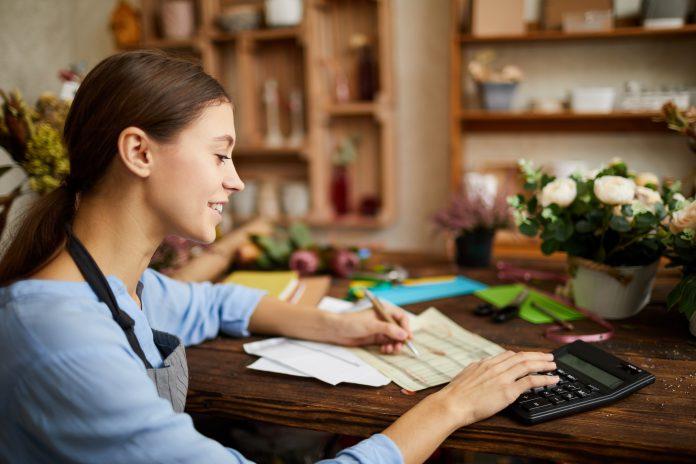 Mitä toiminimen verotuksessa voi vähentää?